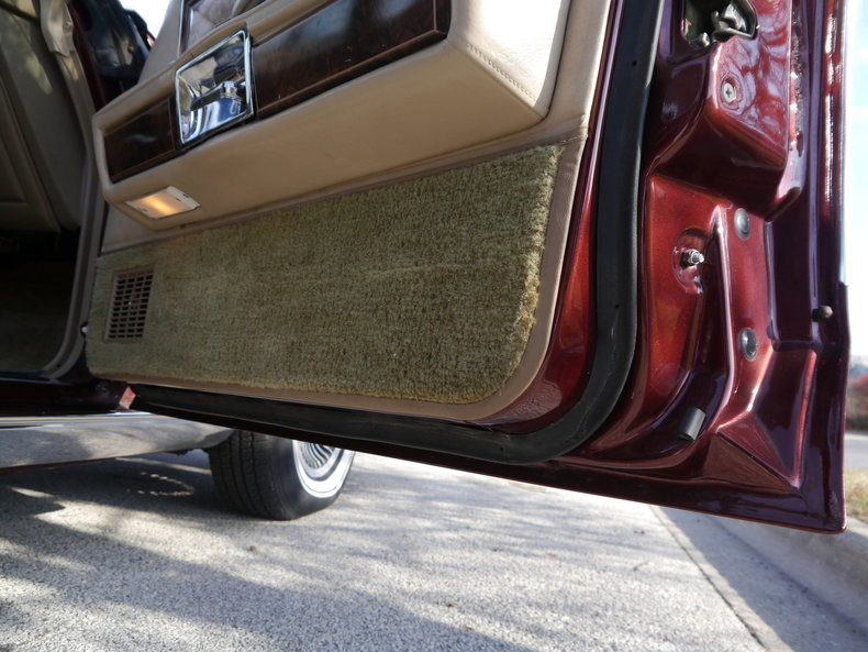 4898711d0cc75 low res 1979 lincoln town car