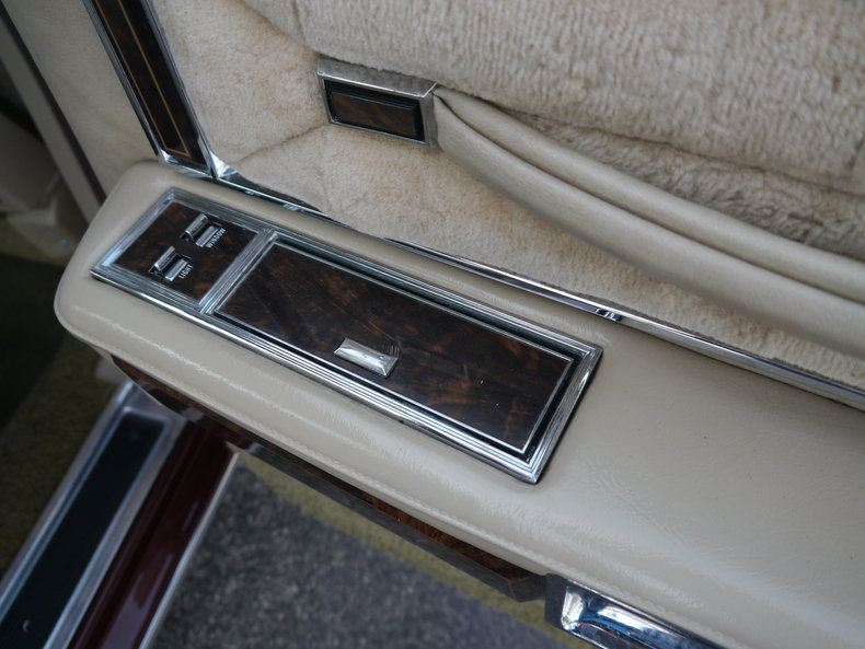 48996c9267568 low res 1979 lincoln town car