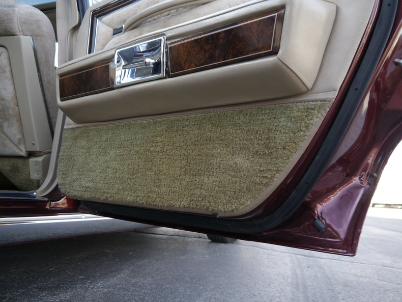 48999f1b4aa83 low res 1979 lincoln town car