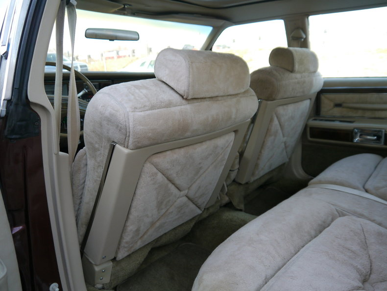490025267b485 low res 1979 lincoln town car