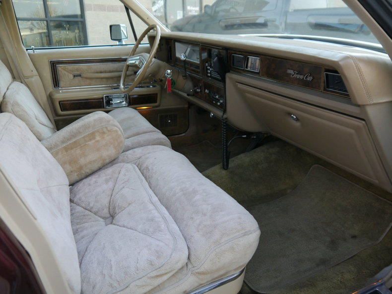 490046fb97e84 low res 1979 lincoln town car