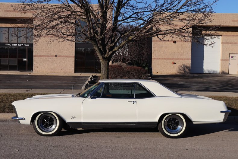 4957168343bd2 low res 1965 buick riviera