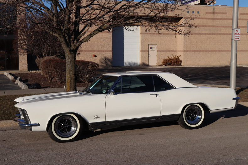 49572f3bc16b2 low res 1965 buick riviera
