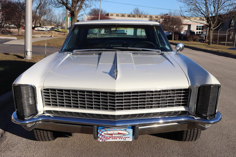 49574b22a370e low res 1965 buick riviera