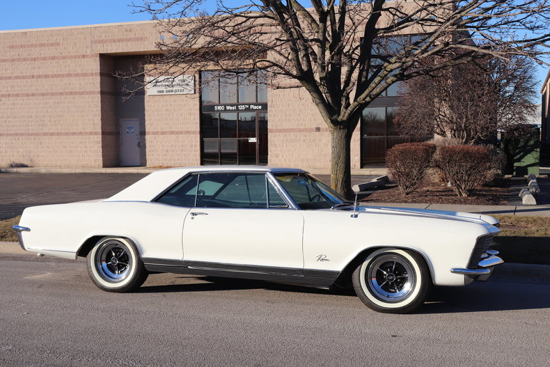 4957625132fc3 low res 1965 buick riviera