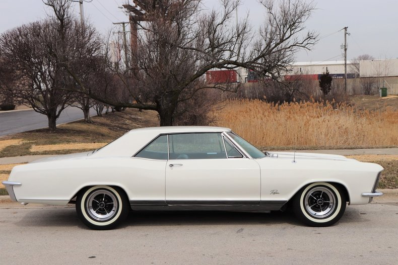 507436789ed69 low res 1965 buick riviera
