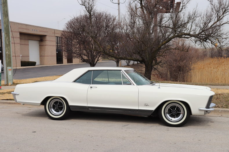 507463c3a98b2 low res 1965 buick riviera