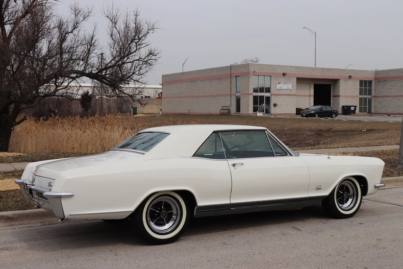 5075673588cdb low res 1965 buick riviera