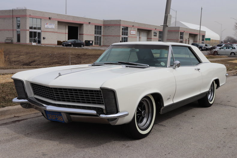 507753207cbe0 low res 1965 buick riviera