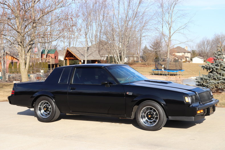 498552dc54927 low res 1987 buick grand national