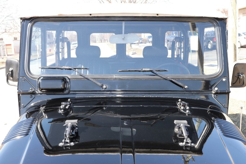 505699200a6c6 low res 1977 toyota land cruiser