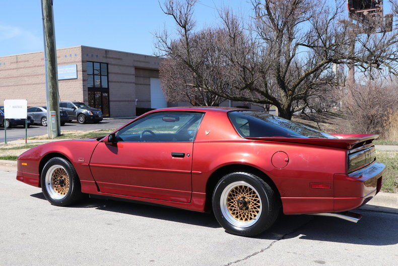 513705a2a5935 low res 1987 pontiac trans am gta