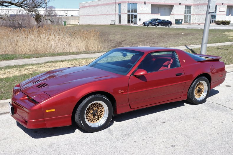 51371f001e1b3 low res 1987 pontiac trans am gta