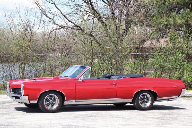 519713457fc83 low res 1967 pontiac gto convertible