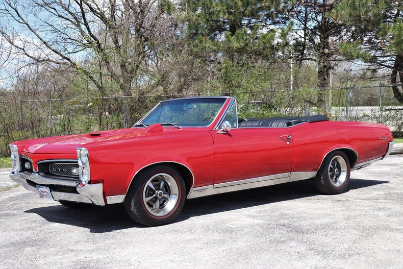 519720168cd57 low res 1967 pontiac gto convertible