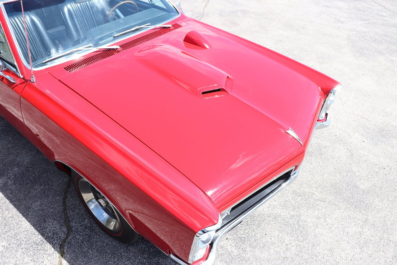 520411f788722 low res 1967 pontiac gto convertible