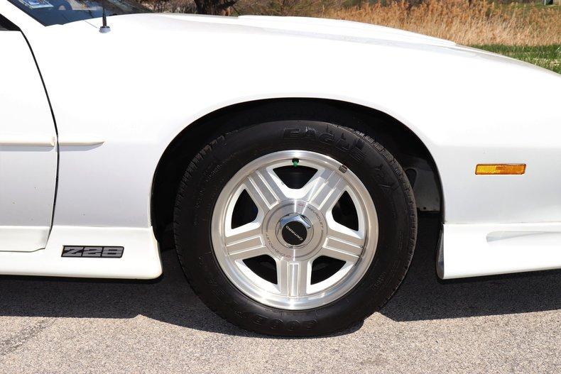 5212238c44505 low res 1992 chevrolet camaro