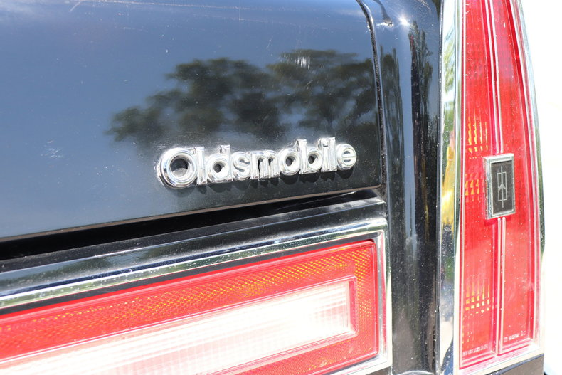 5351856501e65 low res 1977 oldsmobile 98 regency