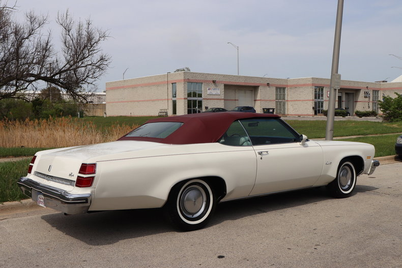 523217280e621 low res 1974 oldsmobile delta 88 royale convertible