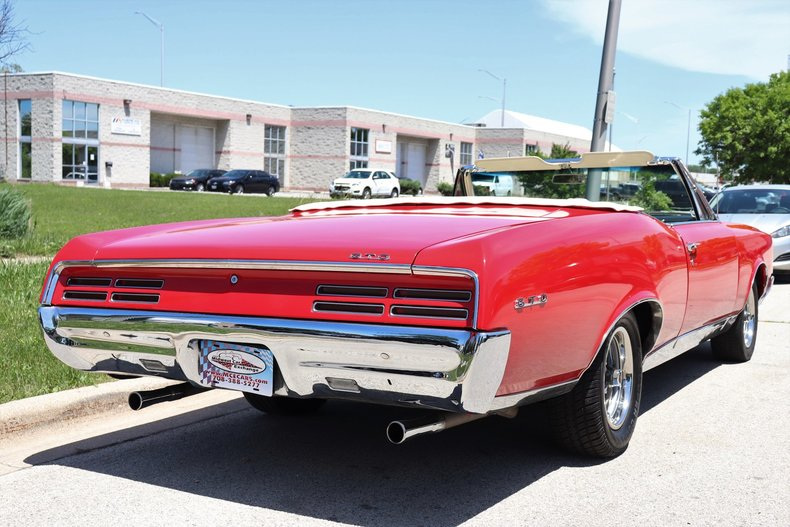 537729230b534 low res 1967 pontiac gto ho