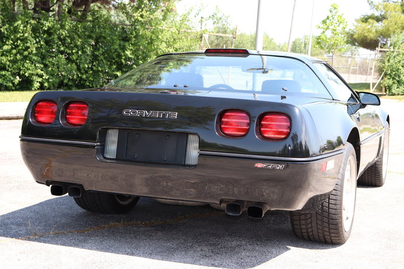 537345ac3ee49 low res 1990 chevrolet corvette zr1