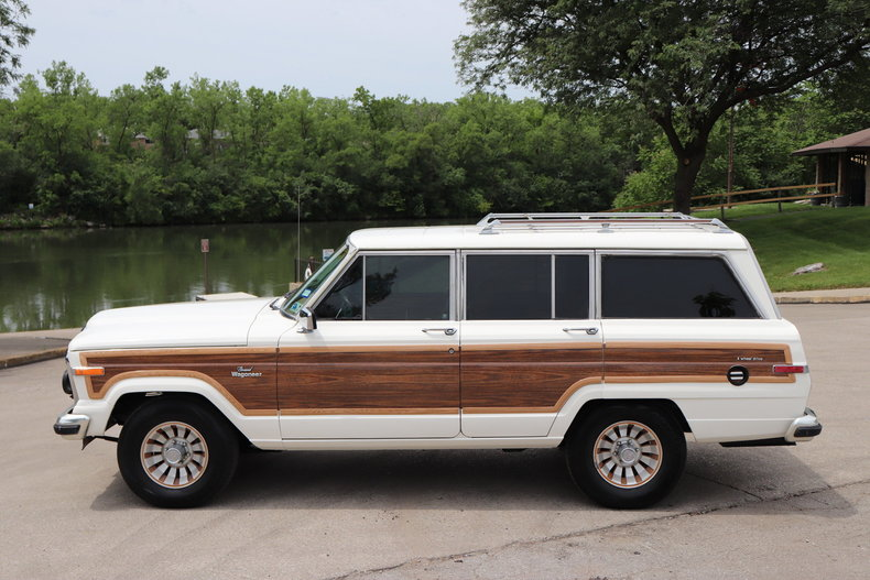 54070bd04dde2 low res 1985 jeep grand wagoneer