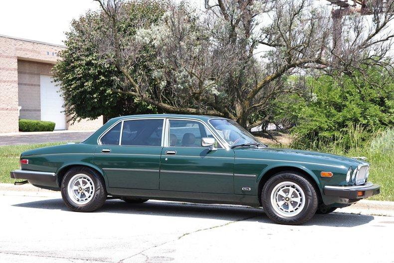 542081924b11a low res 1987 jaguar xj6