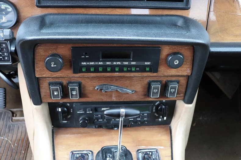 54232642f9109 low res 1987 jaguar xj6