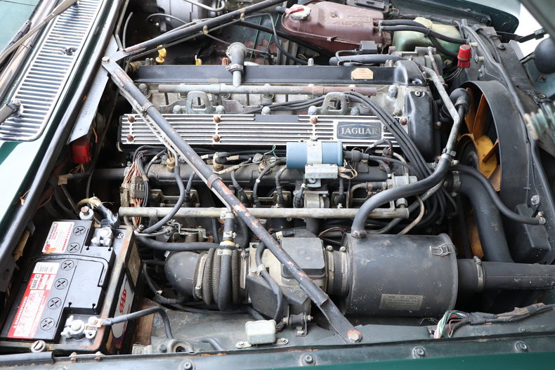 542607bdcc0e1 low res 1987 jaguar xj6