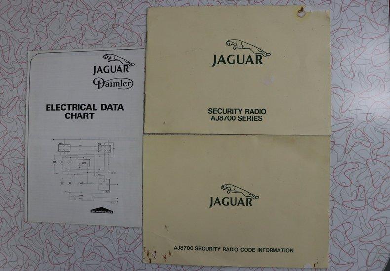 54267fc38f989 low res 1987 jaguar xj6