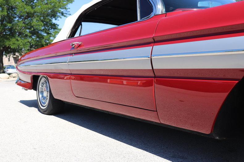 5480696006c87 low res 1961 oldsmobile starfire