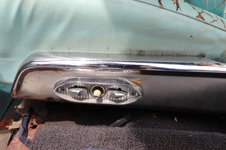 5524592435959 low res 1960 lincoln continental mark v