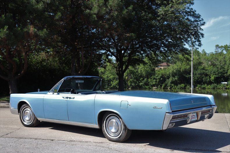 55425b0c72f21 low res 1967 lincoln continental