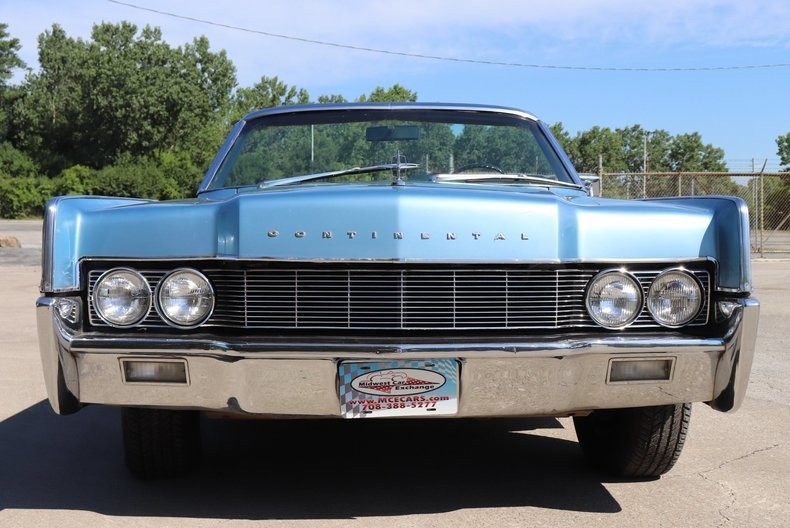 55438be7e5398 low res 1967 lincoln continental