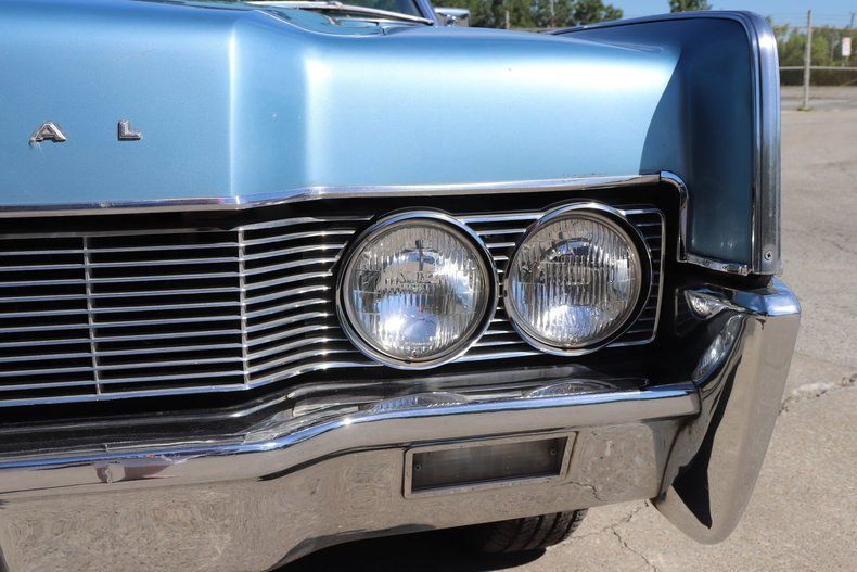 554439618f76a low res 1967 lincoln continental