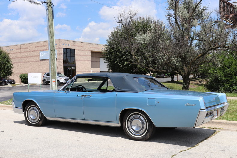 55446652453ac low res 1967 lincoln continental