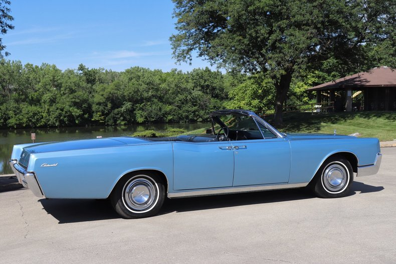 554551a4633c9 low res 1967 lincoln continental