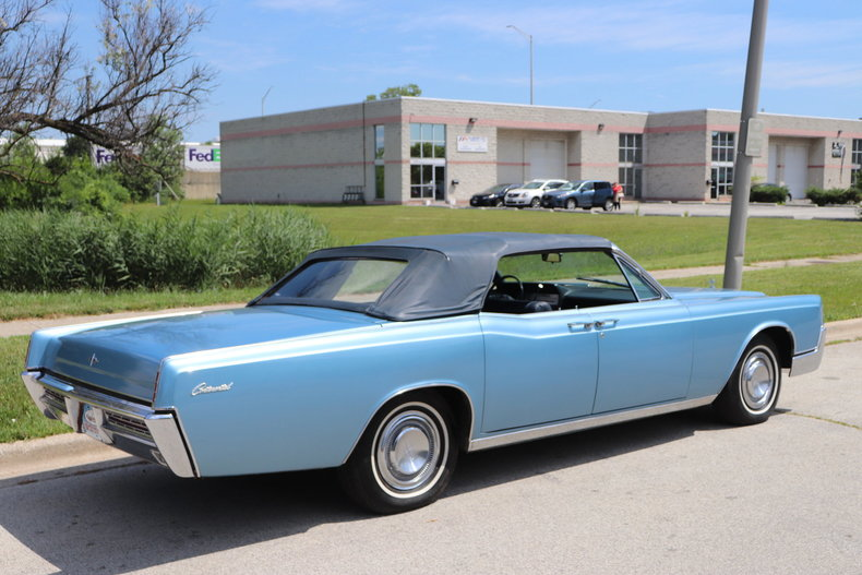 55470d86b7335 low res 1967 lincoln continental