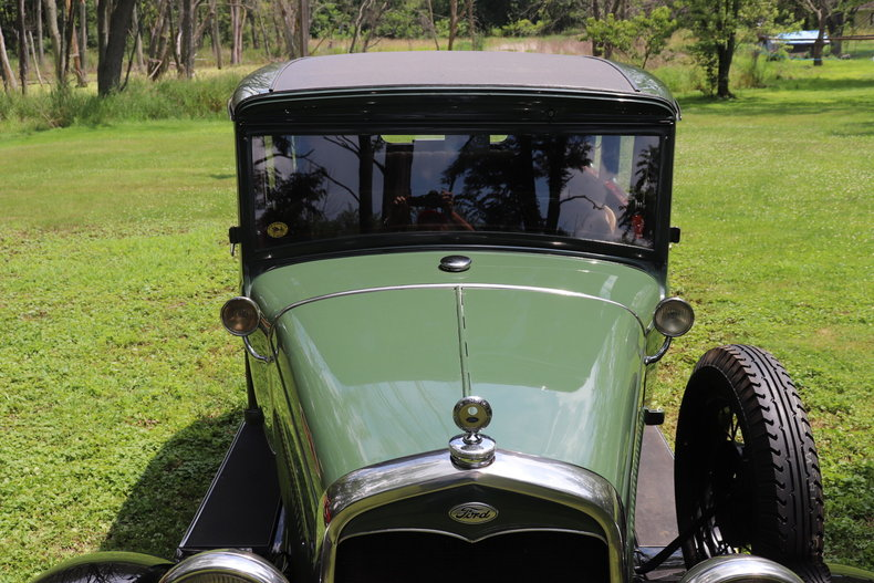 556944647176a low res 1931 ford model a fordor