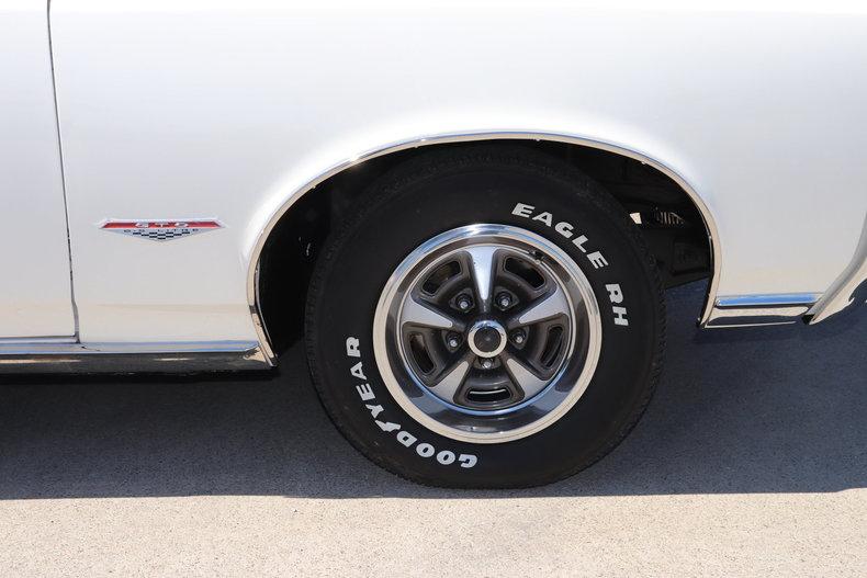 55932202610a7 low res 1966 pontiac gto