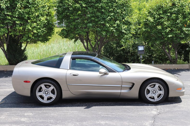 565730bfff1db low res 1998 chevrolet corvette
