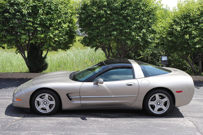 56595306c872a low res 1998 chevrolet corvette