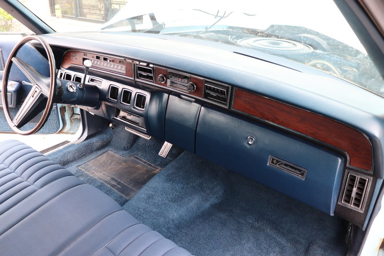 567613ddd10ea low res 1972 lincoln continental