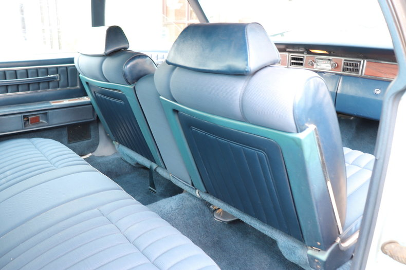5676434902bec low res 1972 lincoln continental