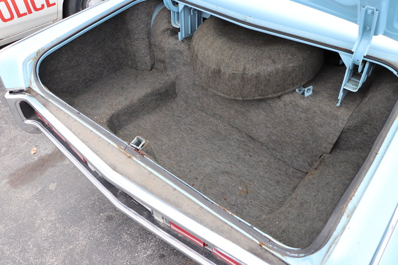 567714df379fb low res 1972 lincoln continental