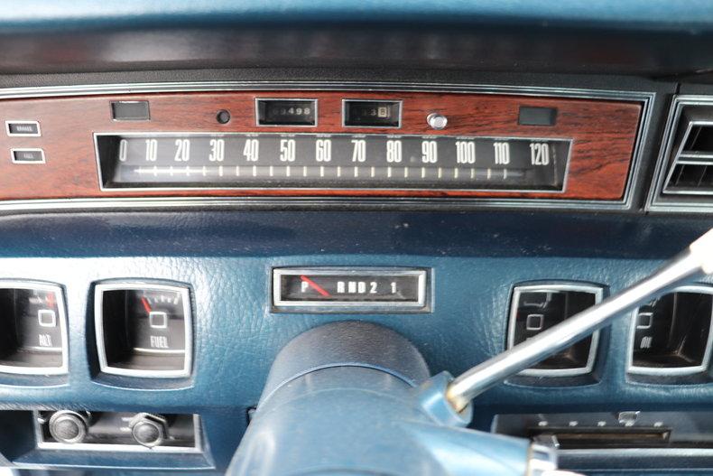 567891e5788e5 low res 1972 lincoln continental