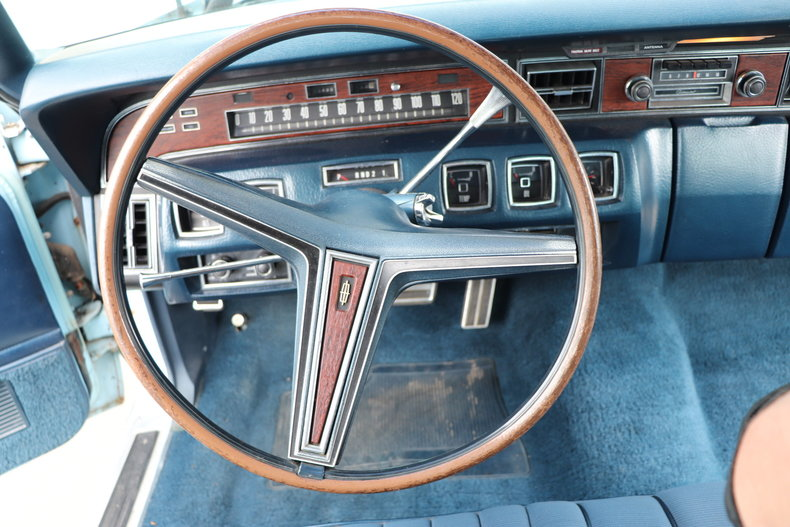 567936dbd400e low res 1972 lincoln continental