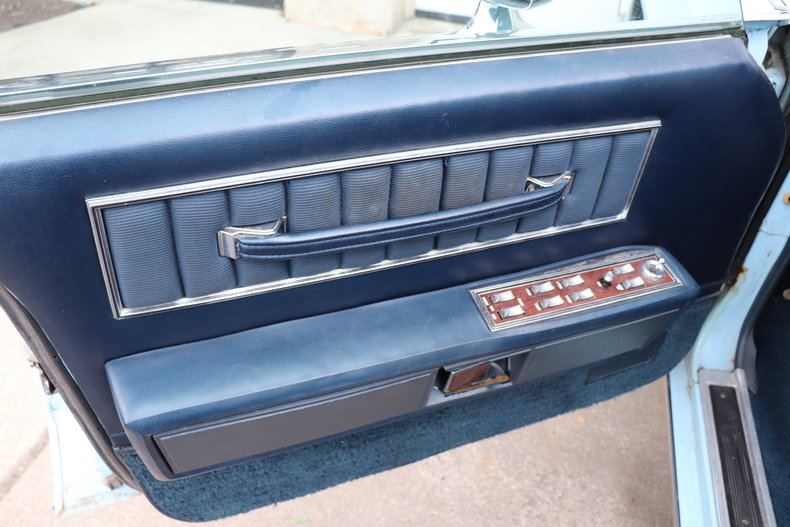 56794a848f8b9 low res 1972 lincoln continental