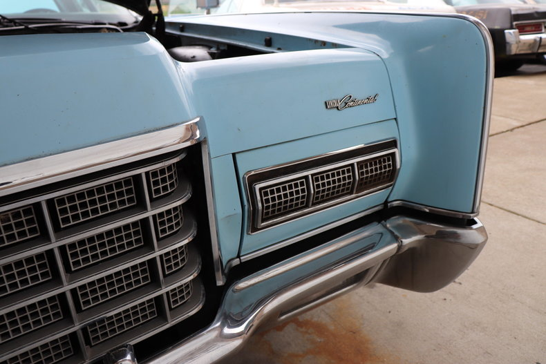 56800d3c2af85 low res 1972 lincoln continental