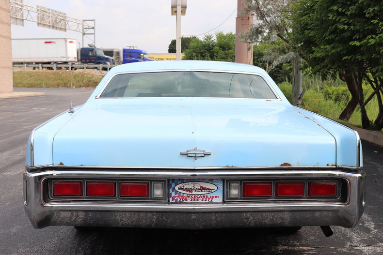 5681239486819 low res 1972 lincoln continental